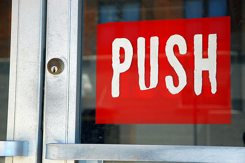 5 Other Ways to Nurture MOFU Leads Besides Marketing Automation