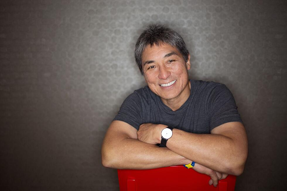 11 AAPI marketing and sales thought leaders you should be following
