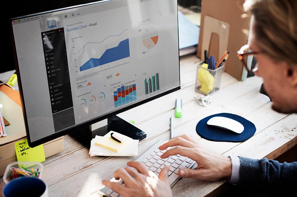 How to Set Social Media KPIs: Essential Metrics for Your SMM