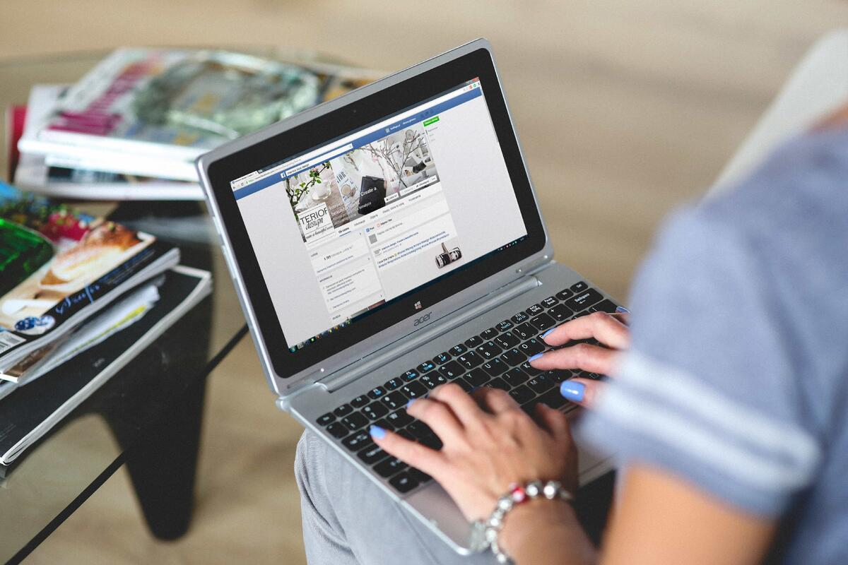 Page managers finally get insight into change history on Facebook