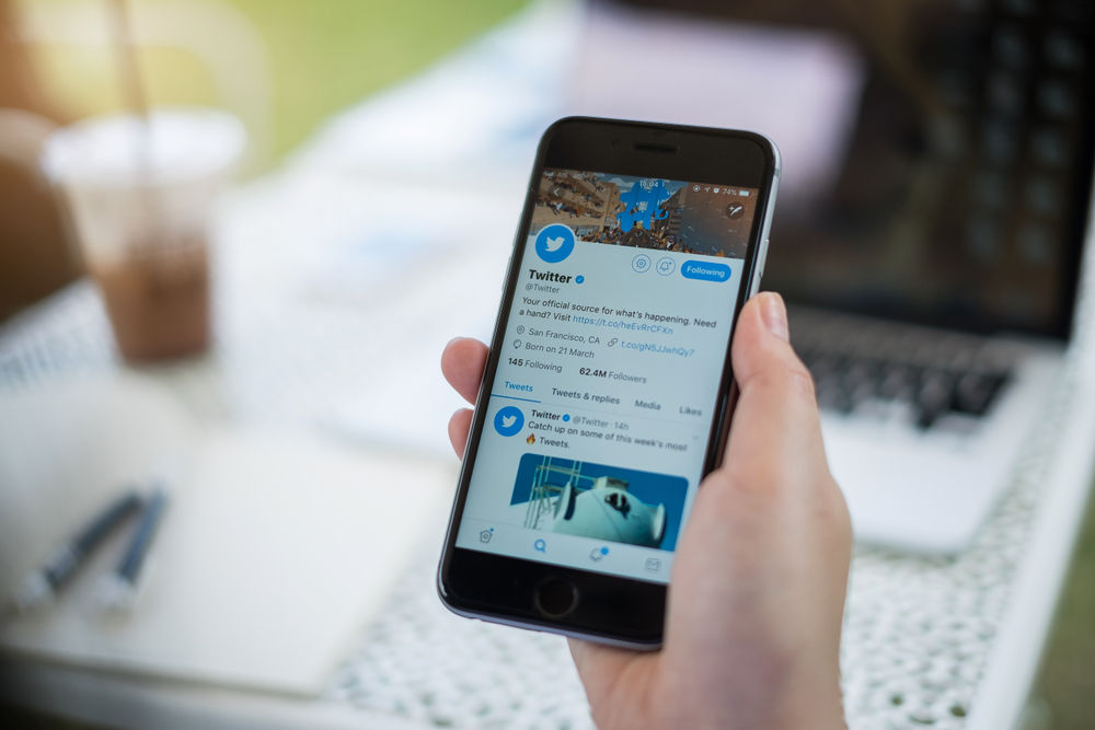 Twitter Users Can Now Subscribe to Tweet Replies on Mobile App