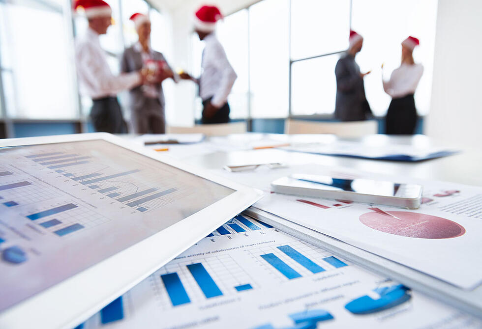 5 B2B sales tips for selling in December and ending the year strong