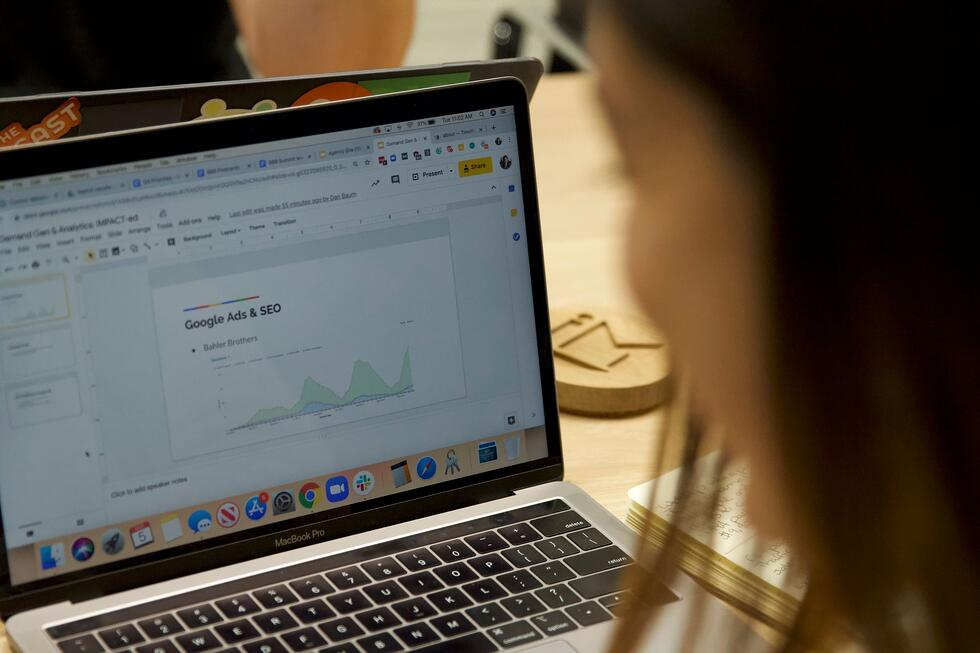 Google updates ads and organic search display on desktop