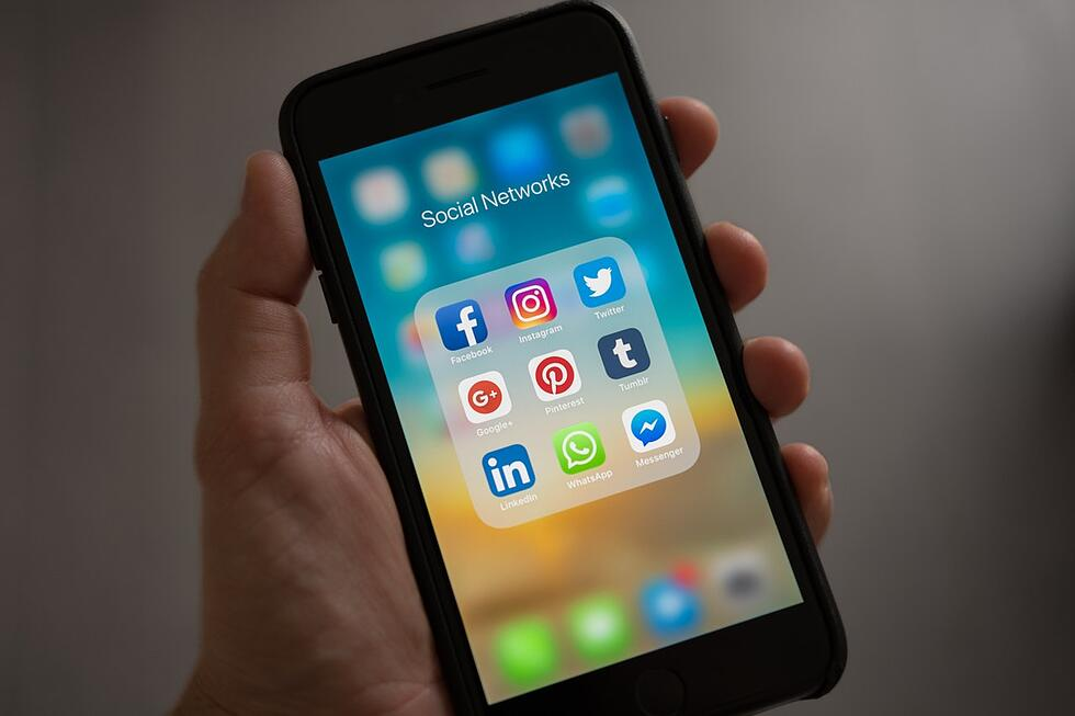 HubSpot report reveals buyers do most product research on social media