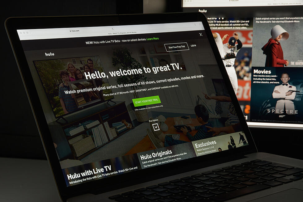 """Why Hulu is Experimenting with Non-Intrusive """"Pause"""" Ads (& Marketers Should Take Notice)"""