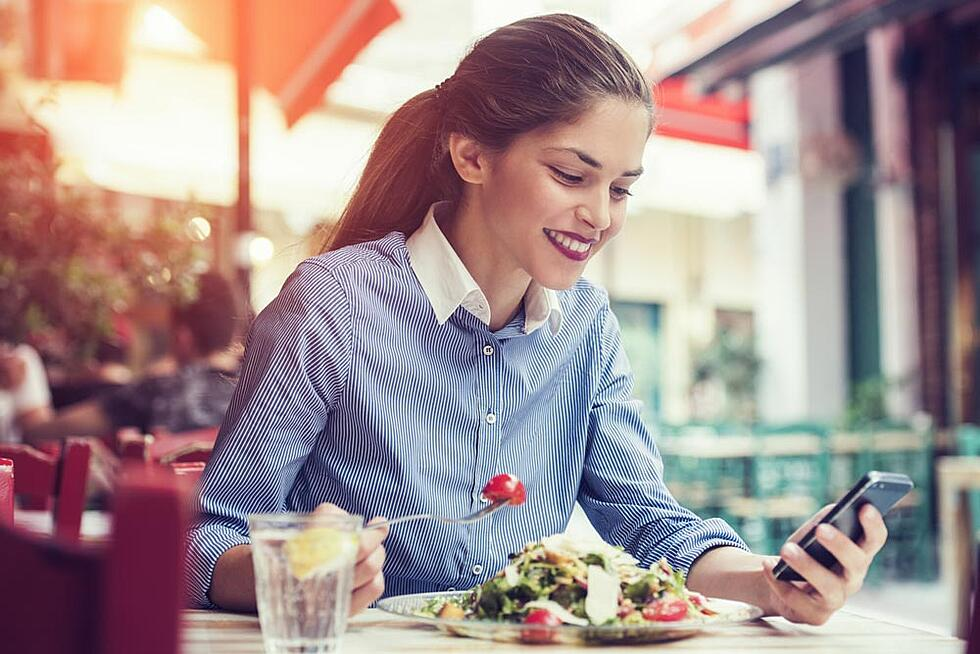 7 reasons to take your lunch break (and 10 ways to use it for learning)