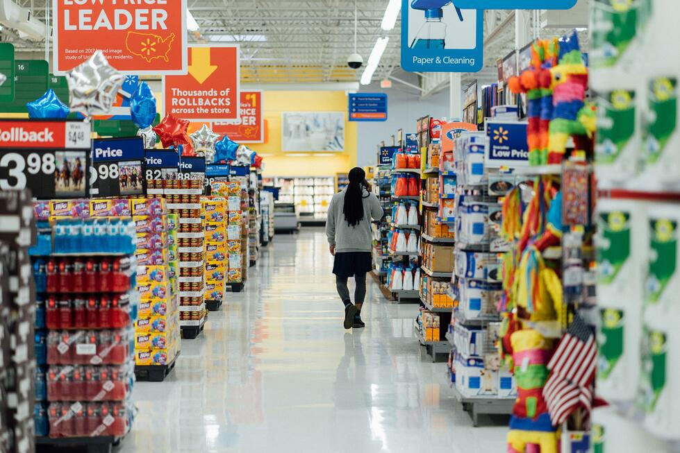 Walmart picks humans over robots, should we all be saying no to robots and AI?