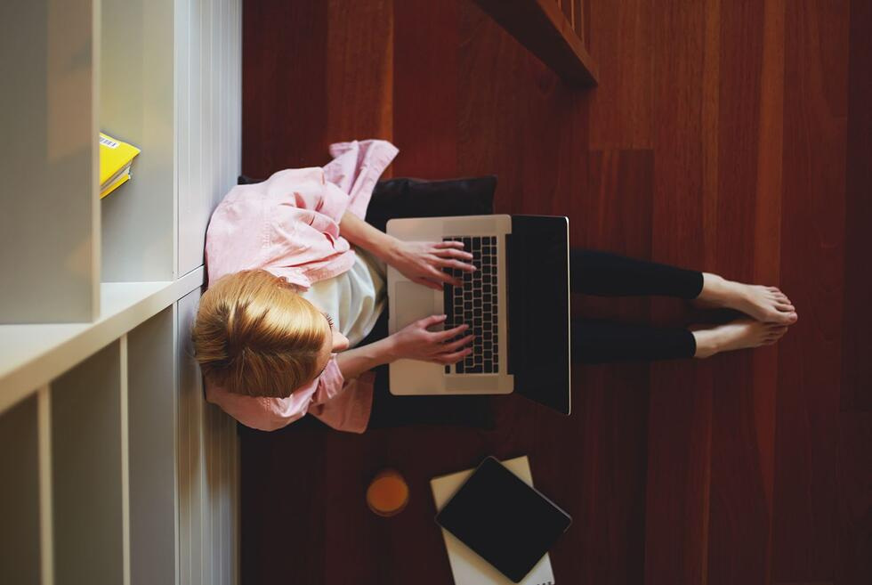 Website copywriting: 6 problems with outsourcing to a freelancer