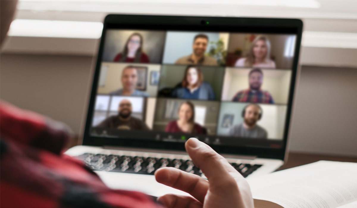 How to make prospects feel comfortable on your video sales call