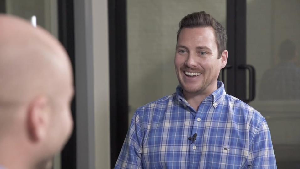 Videographer training: How to conduct an off-camera style interview (+video)
